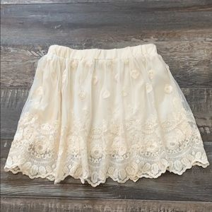 🌻3/20 FOREVER21 gorgeous lace skirt